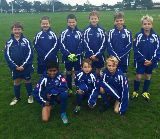 spikejackets front - Check out the Norwest Sweden 10th Grade soccer team in their swank new jackets!